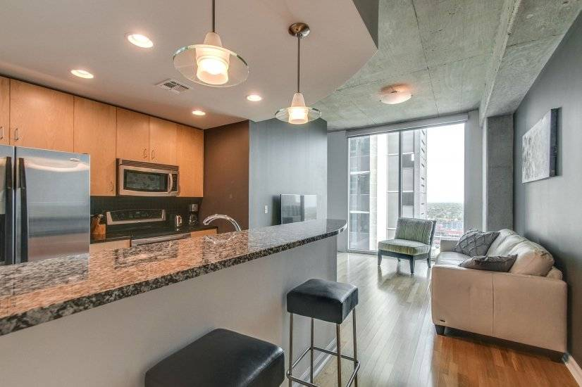 Fully Furnished corporate housing in Downtown Nashville, TN