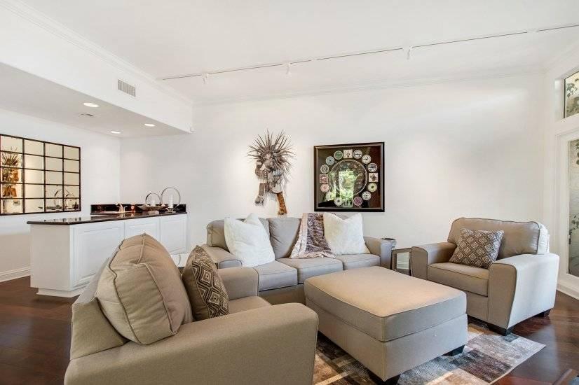 La Jolla furnished corporate rental 3 level townhouse