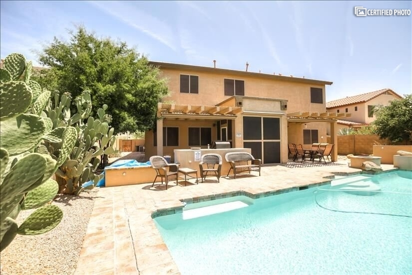 Beautiful Furnished Home in Estrella