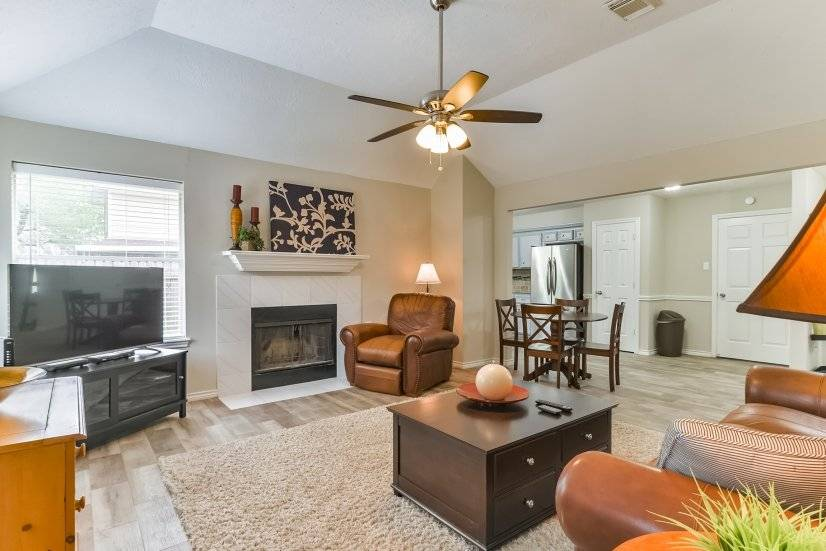 Fully furnished corporate rental home in La Porte TX