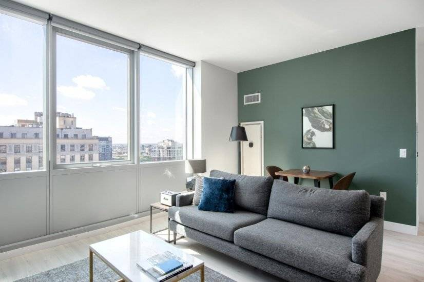 Furnished Ample South Loop 2BR w/ Gym