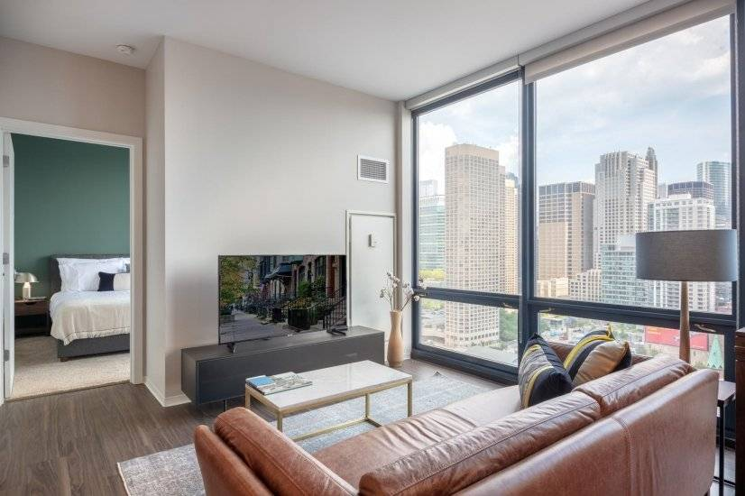 Furnished Smart West Loop 1BR w/Pool