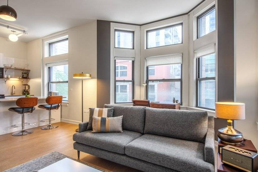 Gorgeous River North 1BR w/Gym nr the L