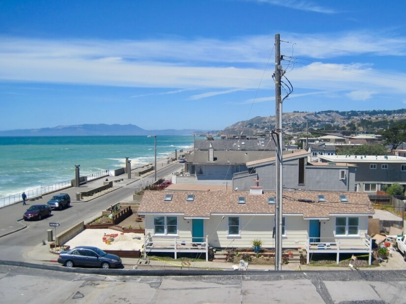 Beach-Front House Near SF w/ Parking (5)