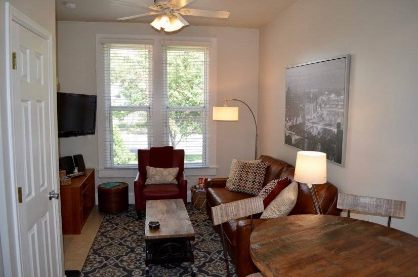Furnished Apartment near Downtown Denver