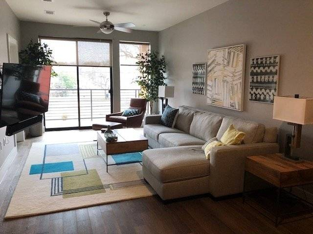 Modern Fully Furnished 1 Bedroom Condo