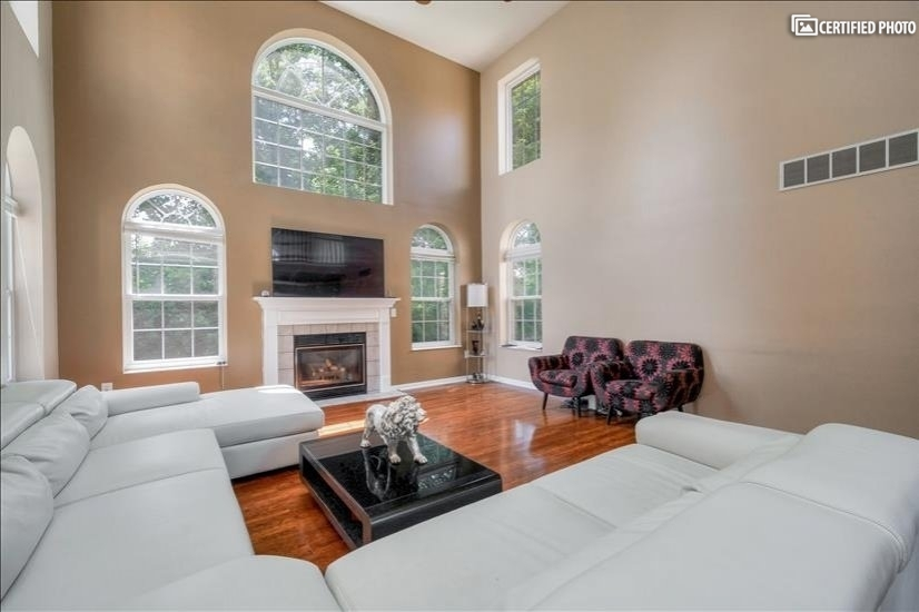 image 1 furnished 4 bedroom House for rent in Mason, Warren County