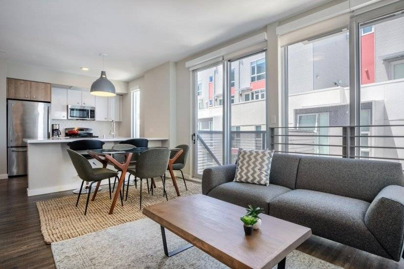 Furnished, Stunning SoMa 2BR w/ BBQ, Gym