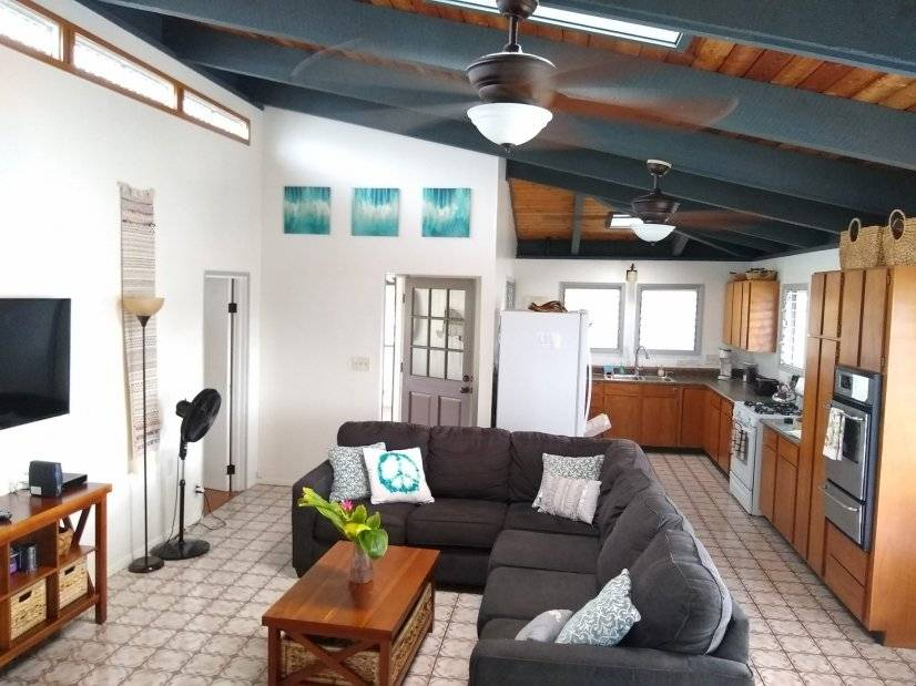 Beautiful, Breezy, spacious Kailua home