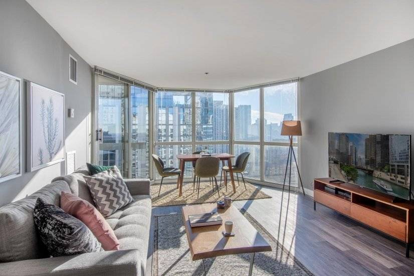 Fully Furnished, Airy Gold Coast 1BR