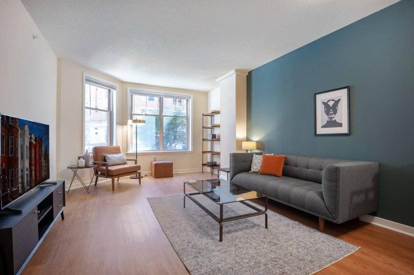 Airy Foggy Bottom 1BR w/ Gym, Pool, W/D