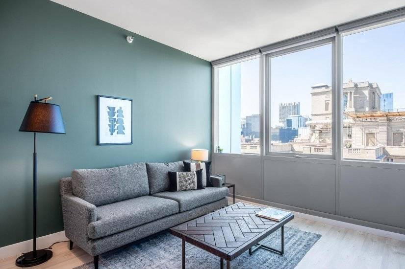 Furnished Sharp South Loop 1BR w/ Pool