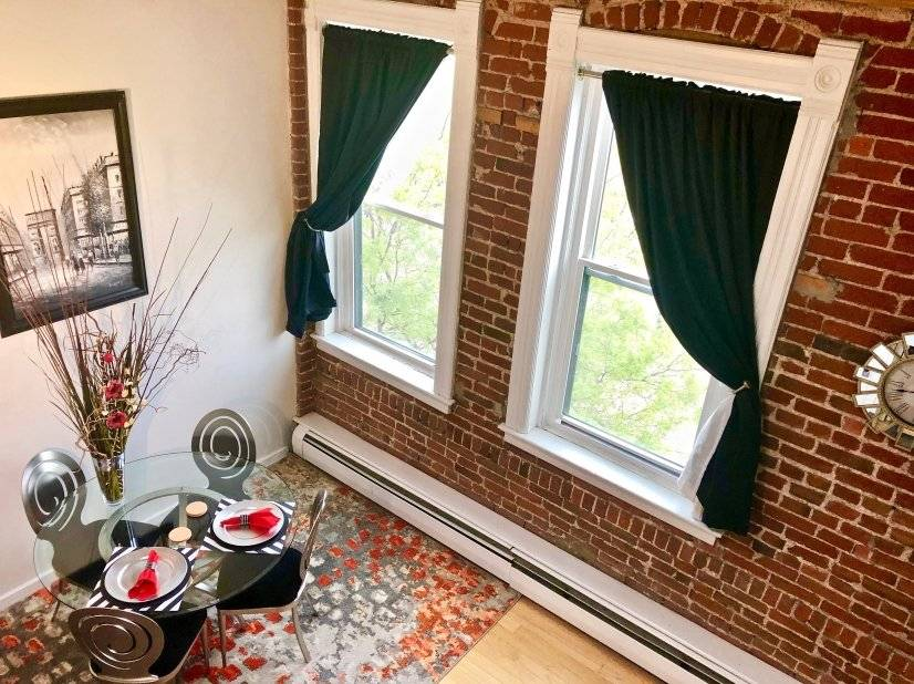 Downtown Furnished Boutique 4 Level Loft