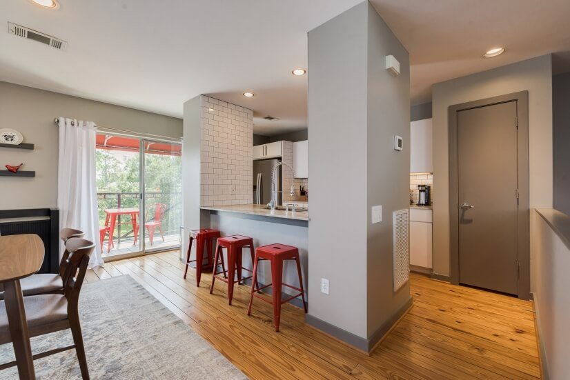 image 1 furnished 2 bedroom Townhouse for rent in Midtown, Inner Loop