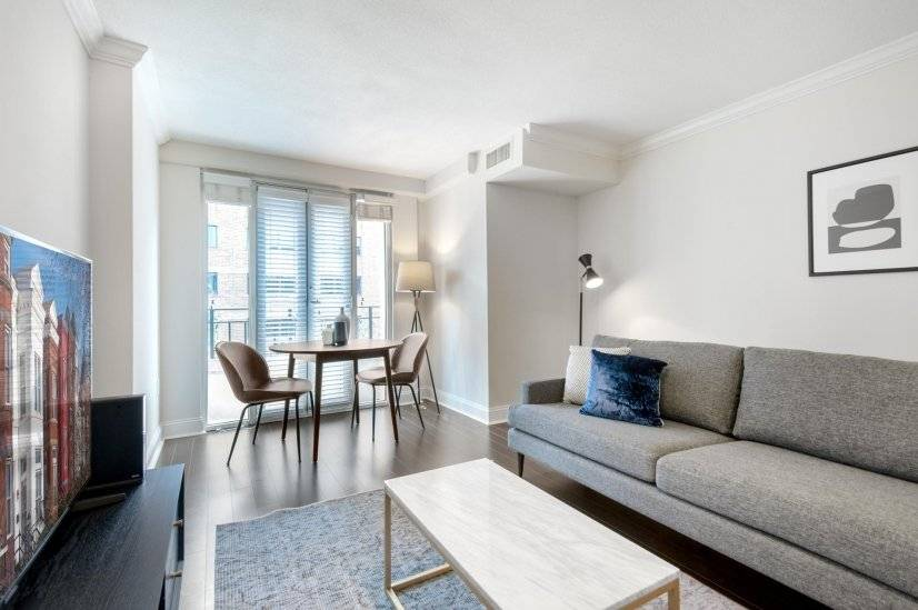 Ideal West End 1BR w/ Gym  Pool  W/D