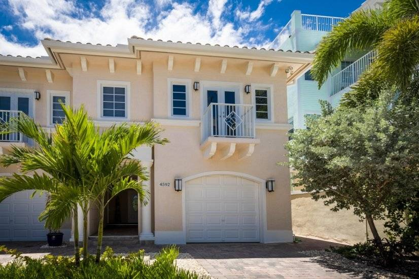 Fully furnished townhome at Hollywood FL