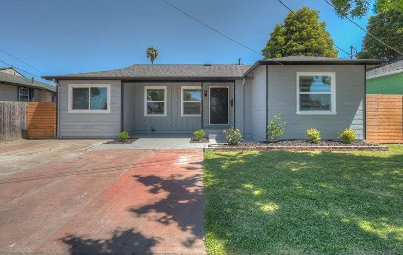 image 1 Furnished room to rent in Oakland Suburbs East, Alameda County 2 bedroom House