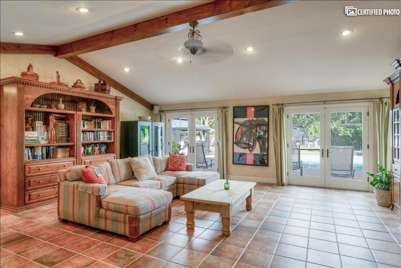 Large living area allow you and your family have great time
