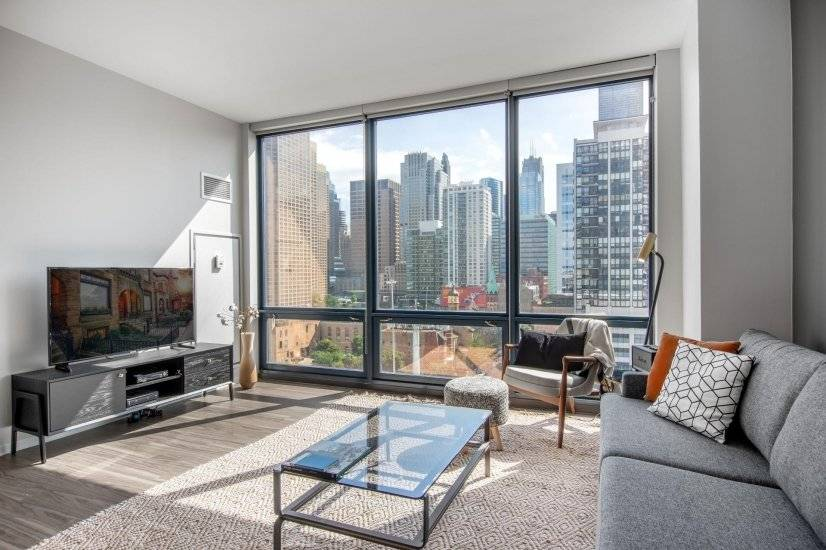 Modern West Loop 1BR, w/ W/D and Gym