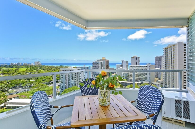 Diamond Head Condo Pacific Ocean Views