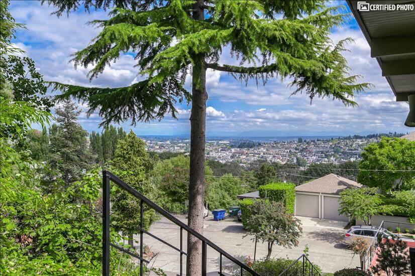 Executive 2 bedroom in Queen Anne