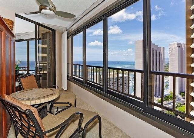 Discovery Bay 3019-Expansive Ocean View!