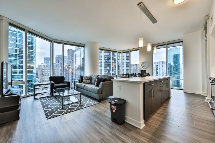 High-Floor 2BR - Modern - Lake Views!!
