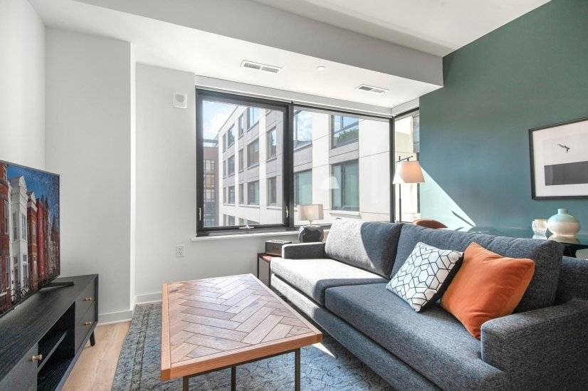 Tailored NoMa 1BR w/ Pool, Rooftop