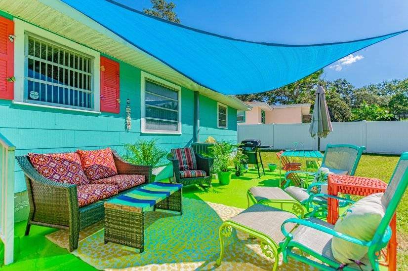 Adorable Beachy Home -1.5 miles to beach
