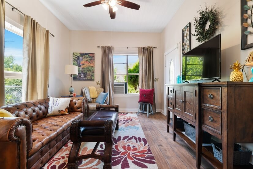 Fully Furnished San Antonio HOTTEST Area