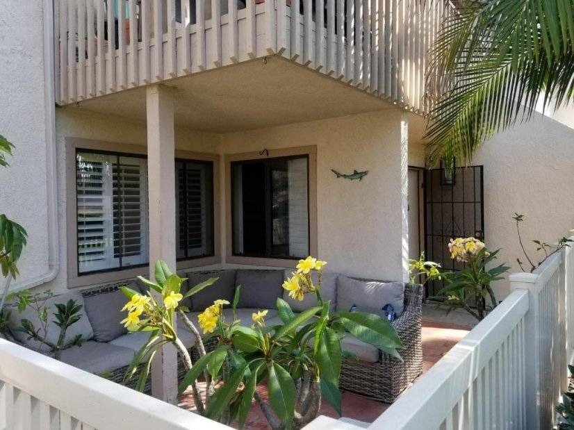 image 1 furnished 1 bedroom Townhouse for rent in Huntington Beach, Orange County
