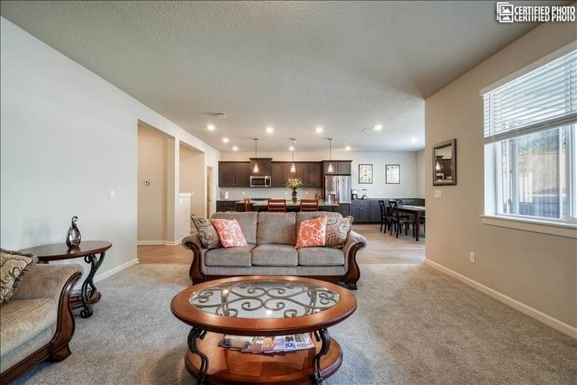 New 5 Bedrooms Top Location of Tualatin