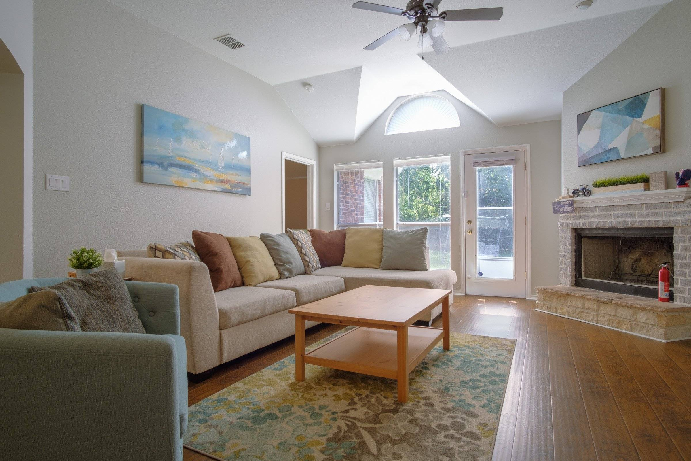 Sweet 3B2B Home in Central Arlington
