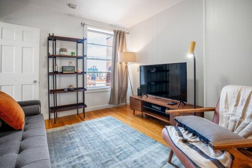 Furnished Sleek North End 2BR