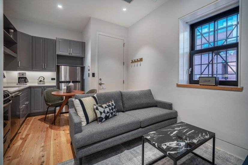 Airy Dupont Circle 1BR w/ W/D, nr  Metro