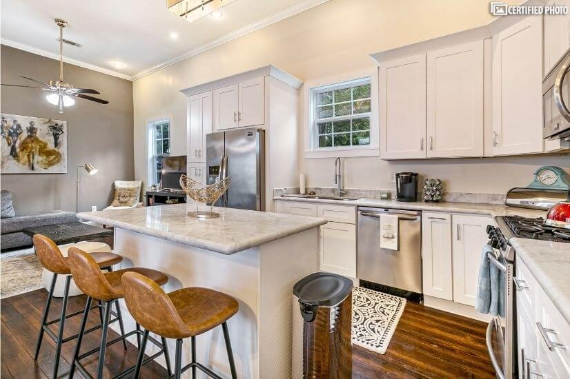 Fabulous Uptown home close to FQ and CDB