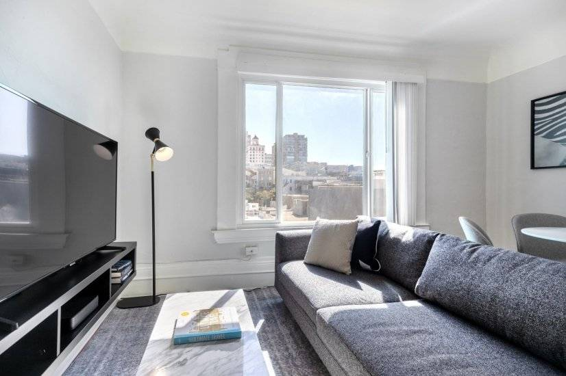 Furnished, Russian Hill 2BR w/ City View
