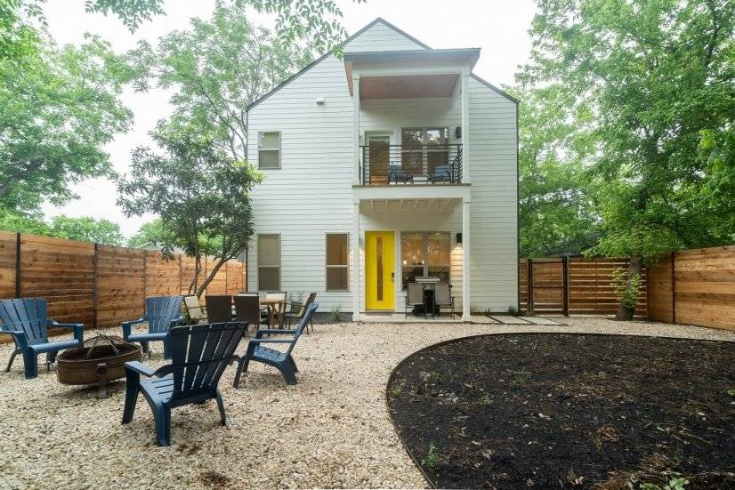 New East Austin Charmer w/ 3 BR and 3 BA