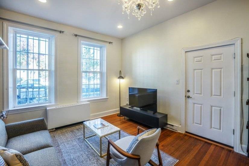 Lux Capitol Hill 1BR