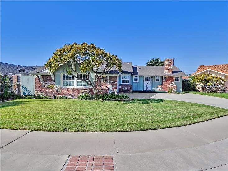 Furnished Anaheim Monthly Rental w/ Pool
