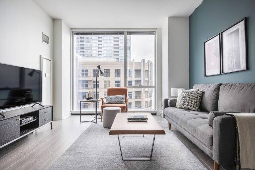 Ideal Streeterville 1BR w/Pool, Gym, W/D