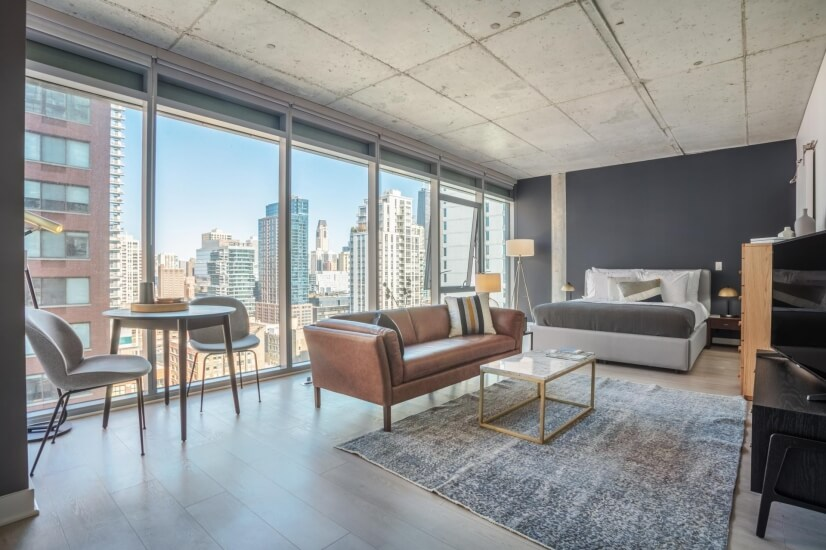 Lux River North Studio w/ Pool & Gym