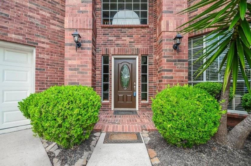 image 2 furnished 5 bedroom House for rent in Pearland, SE Houston