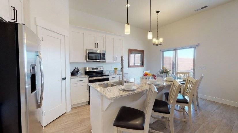Furnished 3BR St. George Executive Home