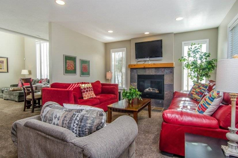 Furnished 3BR Midvale Executive Home