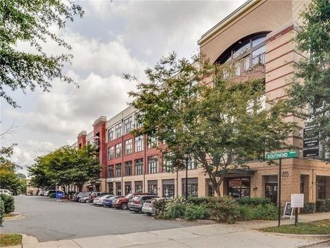 Spacious 2 Bedroom Dilworth Loft