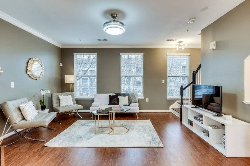 Furnished luxury townhouse in Ashburn