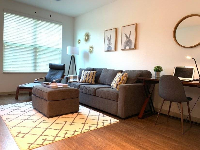 Cozy & Fully Furnished 2-Bedroom Apt
