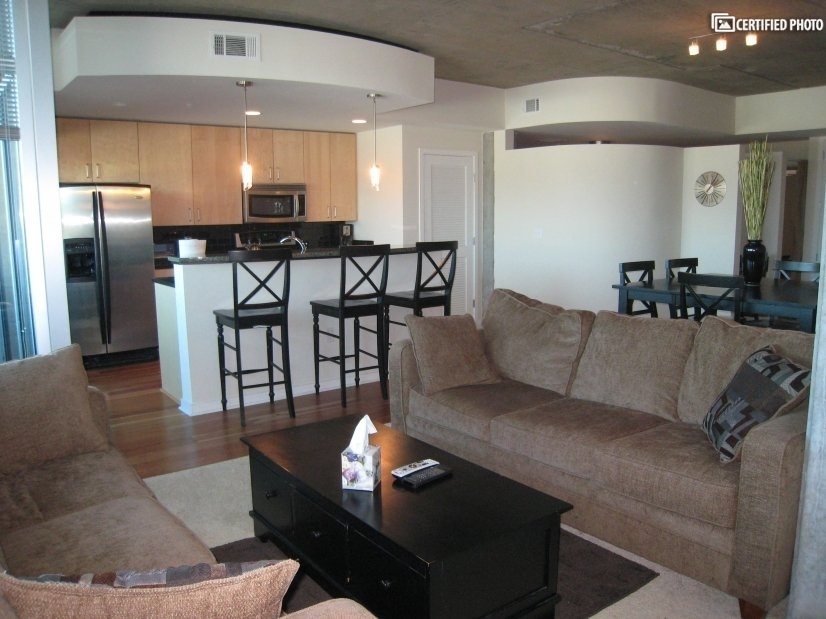 Glass House Corporate Apartment In LODO