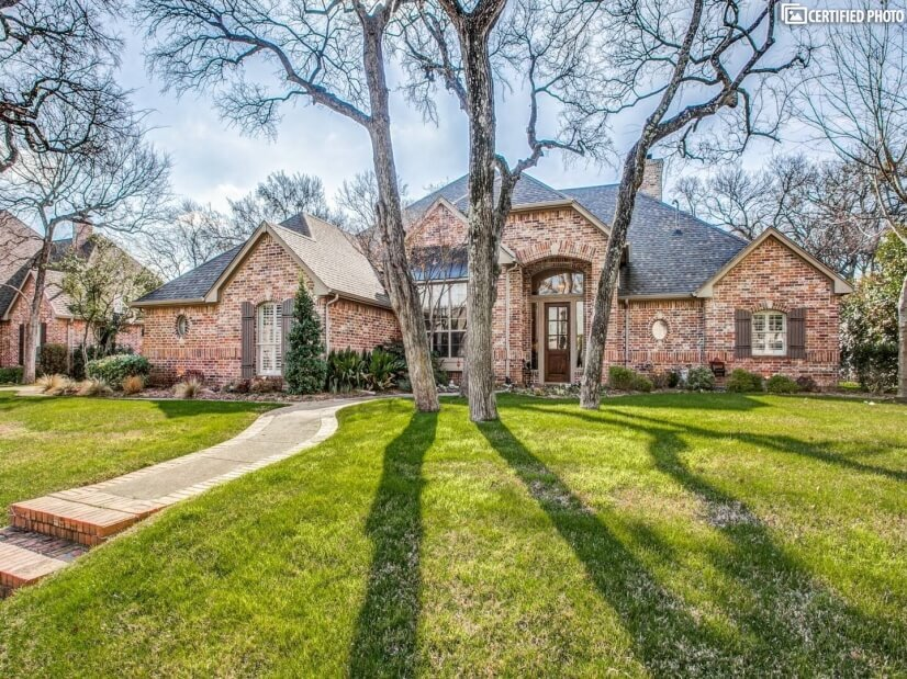 Executive Home in Rockwall-Dallas Suburb